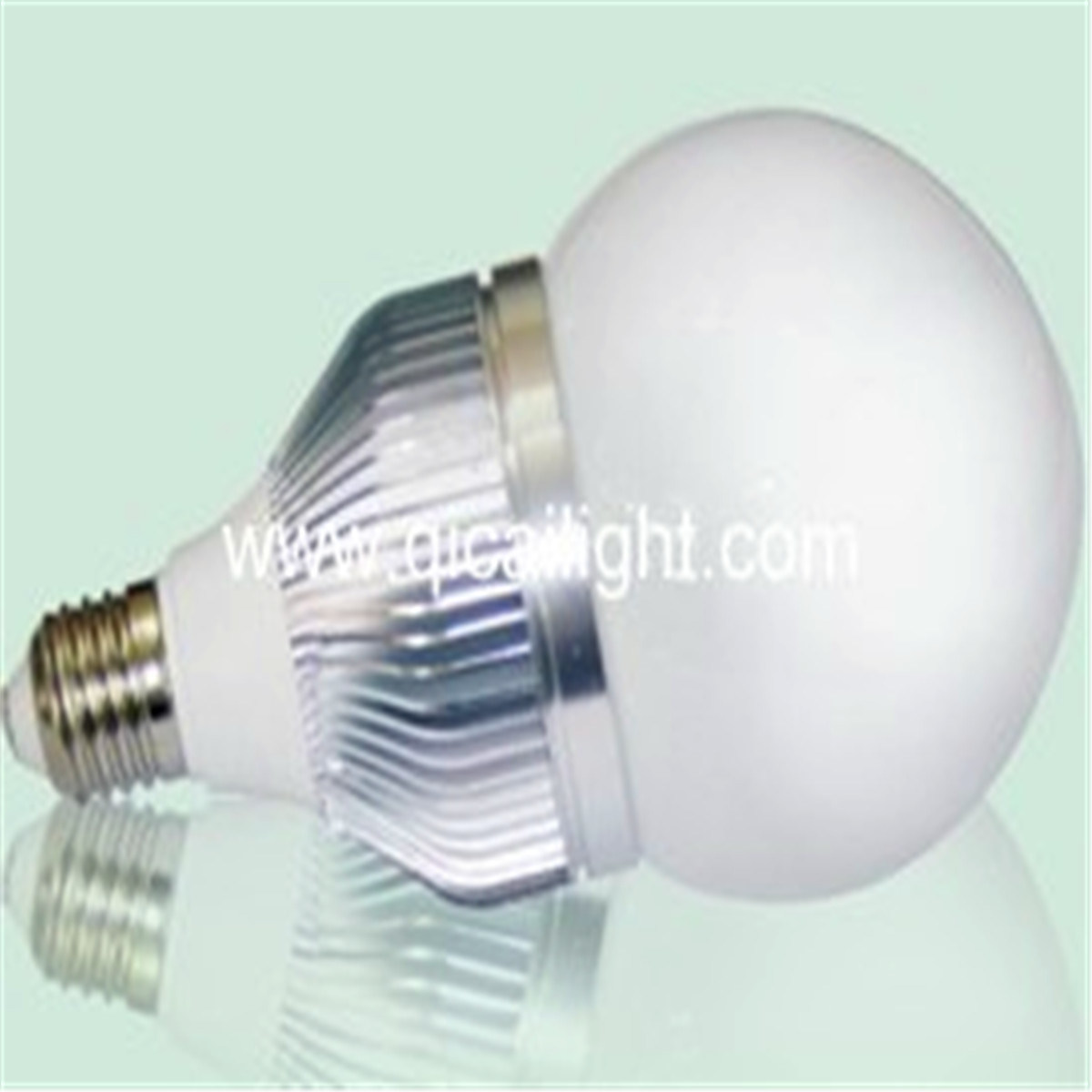 E27 Low Power LED Bulb (QC-E27-15LED-5050)