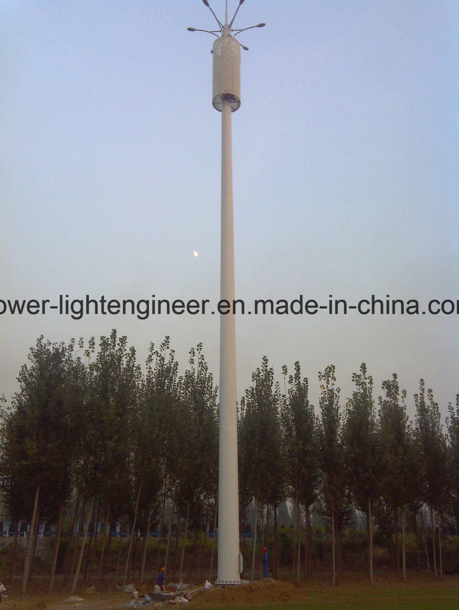 Camouflaged Light Telecome GSM Monopole Tower