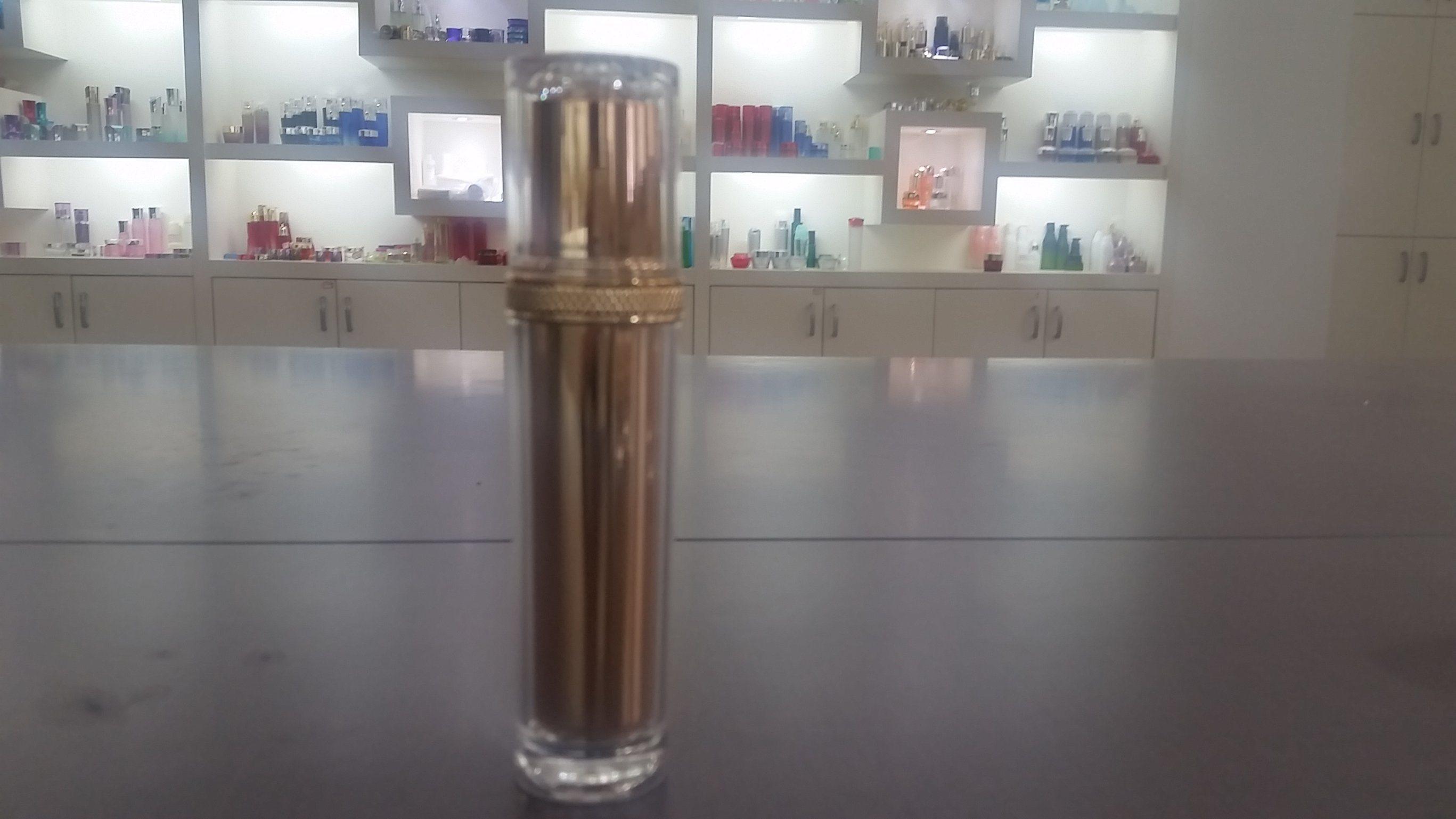 Qf-A3901 Acrylic Plastic Bottle Round Bottle