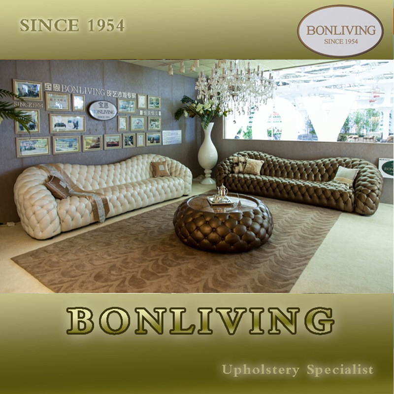 Original Italian Design White Chesterfield Sofa (B6-C)