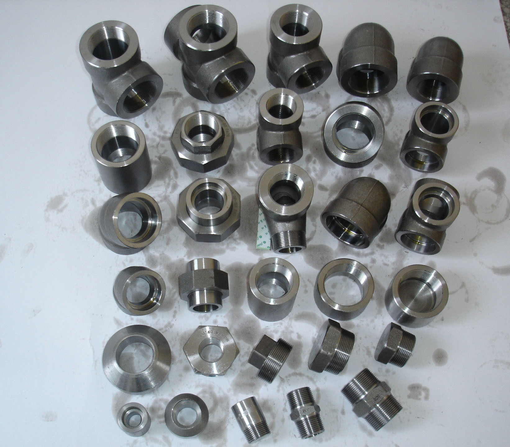 China forged pipe fittings steel fitting