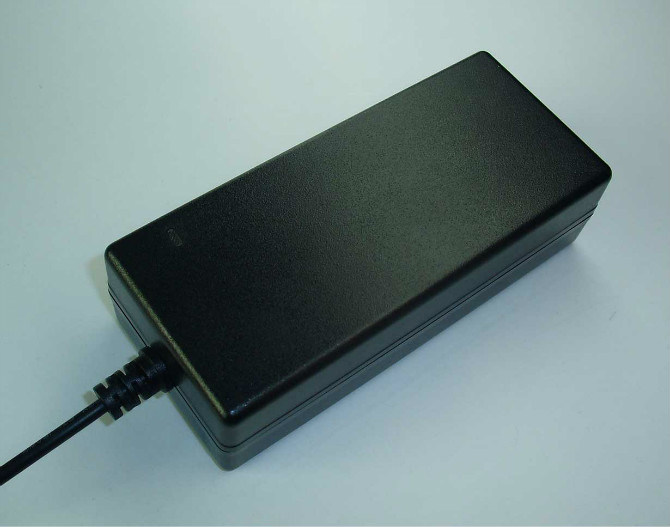 CB/UL/FCC/GS/Ce Approvals 5V6a 12V5a Switching Power Adapter