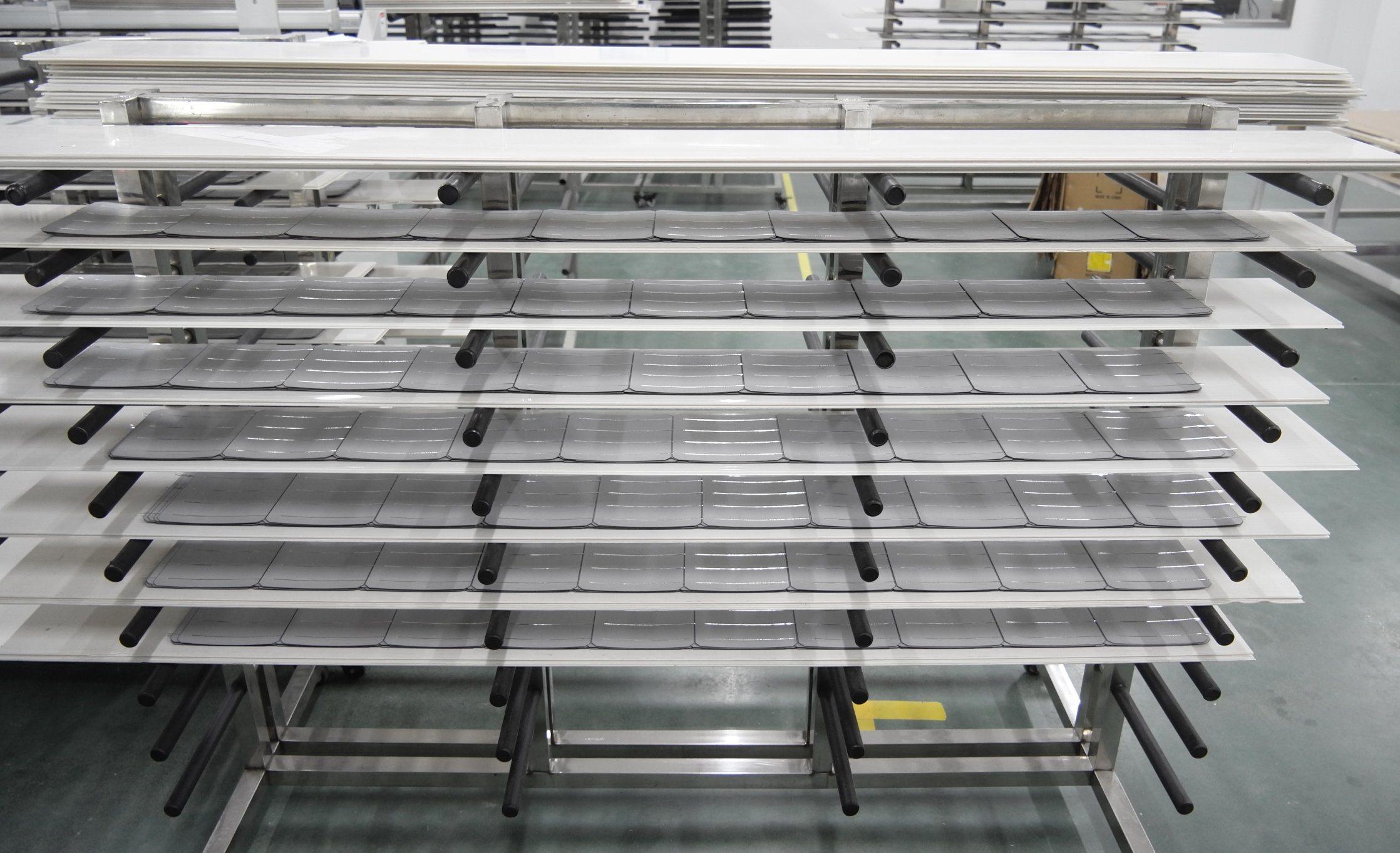 Hot-Spot Resistant High Efficiency 270W Polycrystalline Silicon Solar Panel