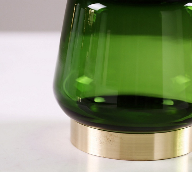 Glass Flowerpot with Golden Pedestal (green)