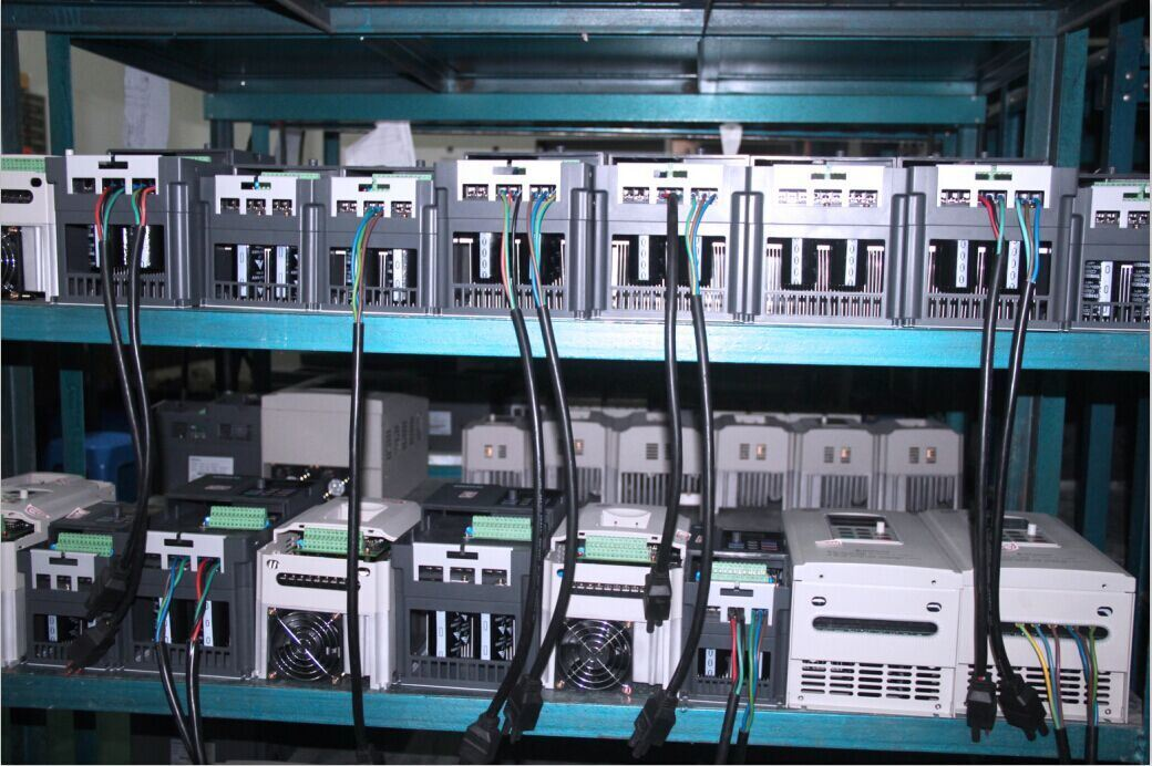 China Manufacturer Frequency Inverter, AC Drive with Single Phase & Three Phase 220V