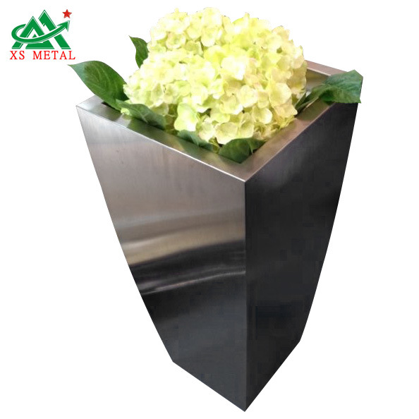 Stainless Steel Flower Pot in Hotel or Restaurant (XS-SP008)