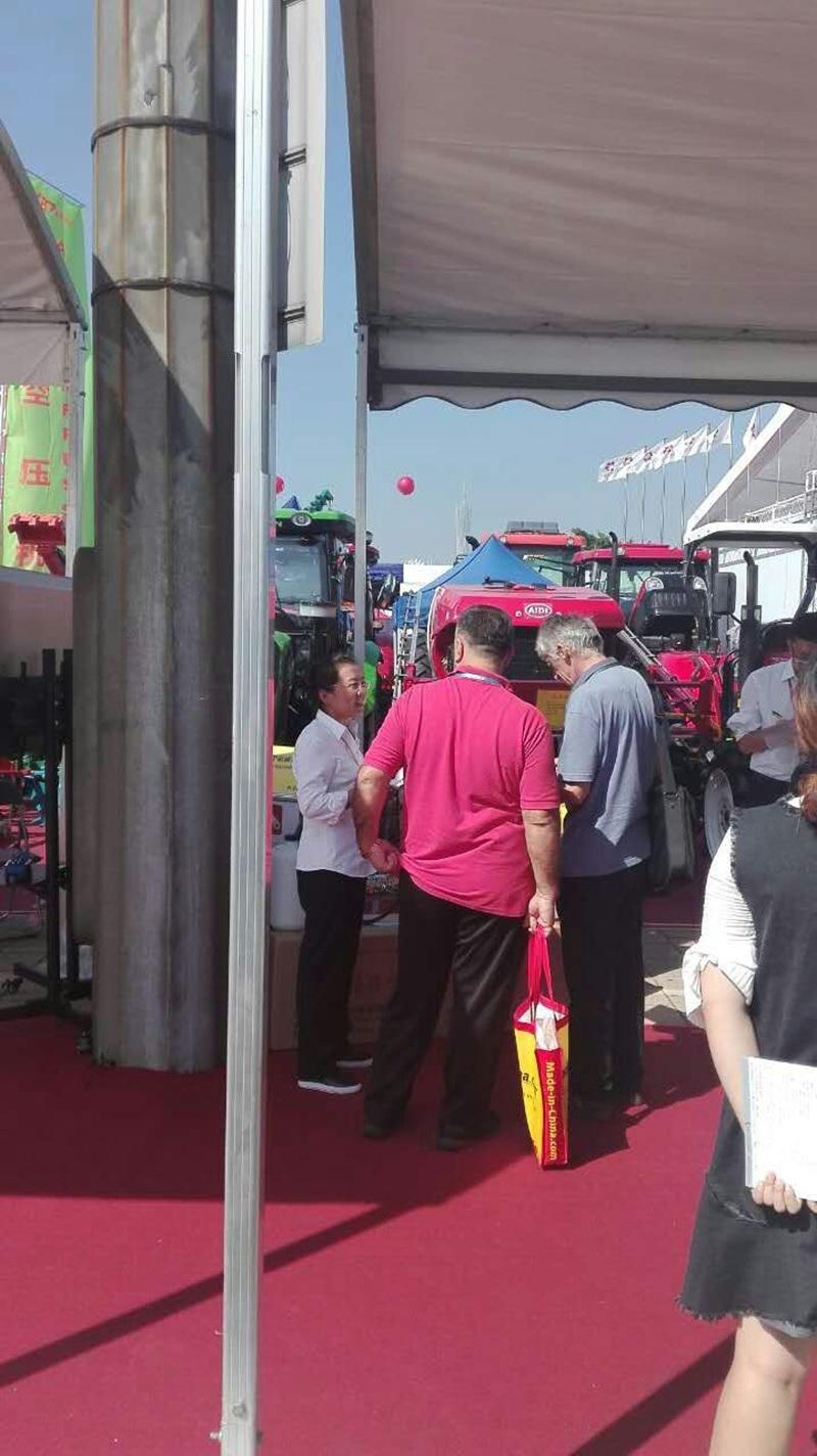 Aidi Brand 4WD Hst Diesel Engine Machine Spraying for Paddy Field