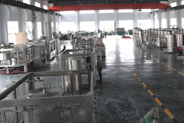 6 Cavity 6000bph Automatic Pet Bottle Blow Molding Machine
