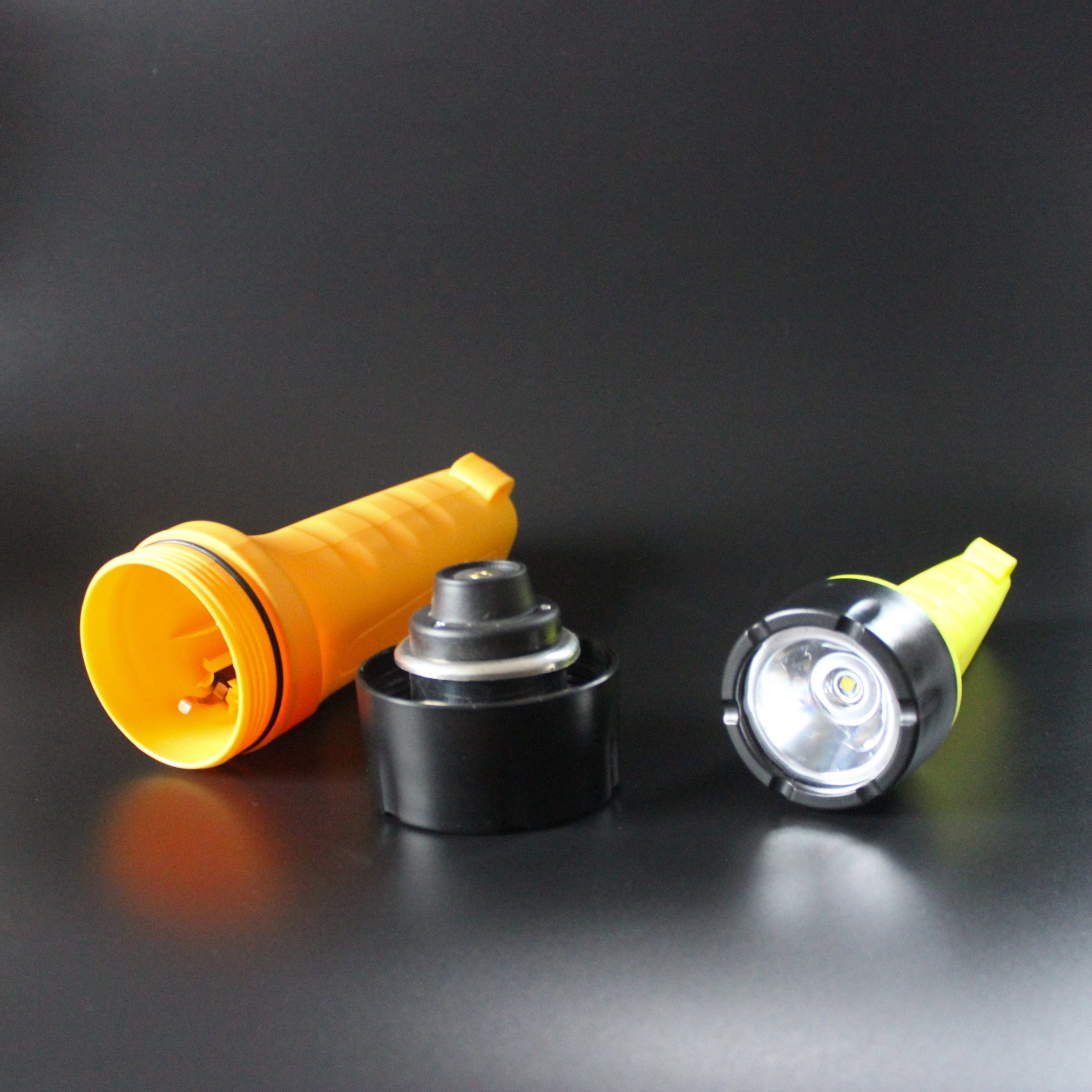 Heavy Duty Plastic ABS 3-Proof LED Flashlight