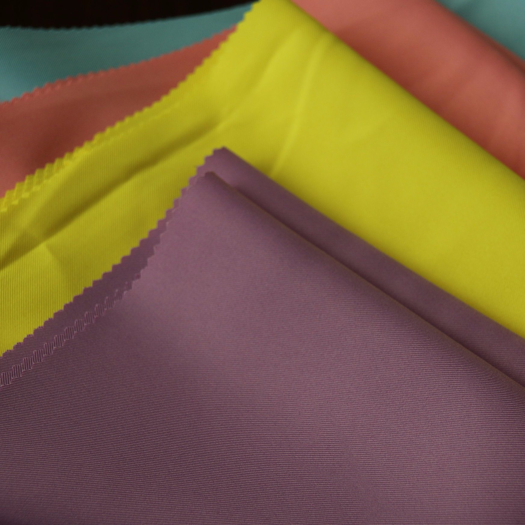 Polyester 150d/48f*150d/48f 2/2twill Dyed Gaberdine for Uniform Workwear Fabric