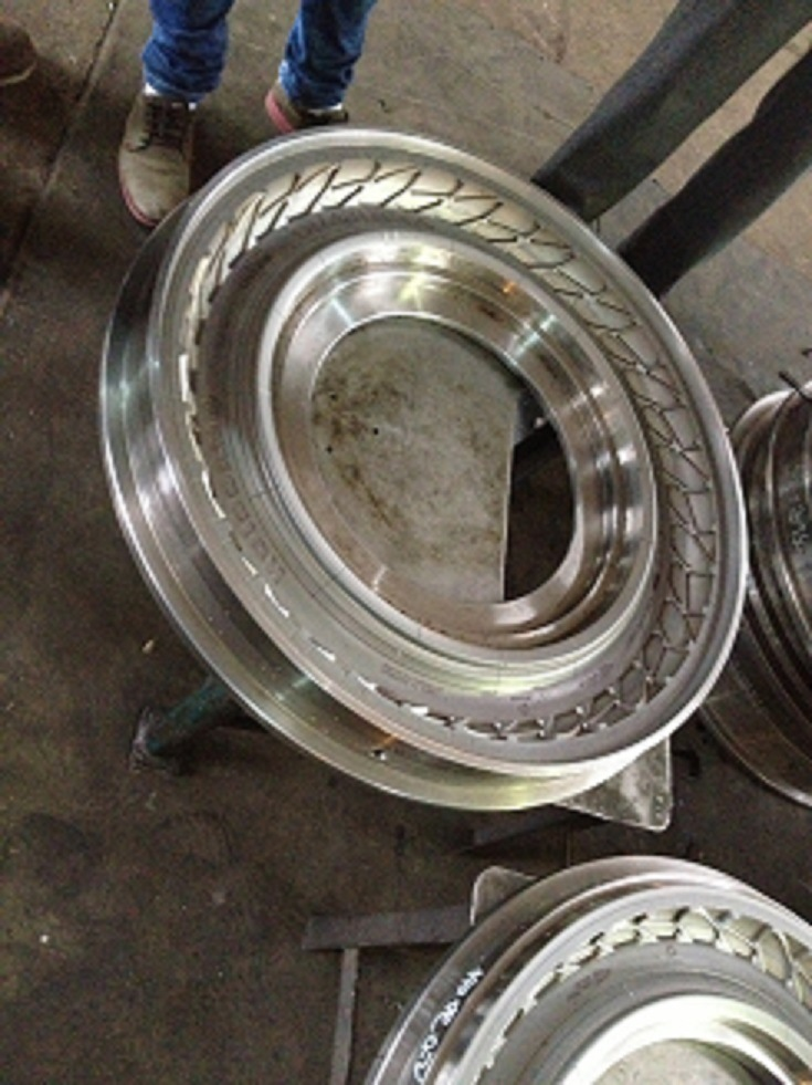 Rubber Tyre Mould for Motorcycle Tyre with 2.75-17