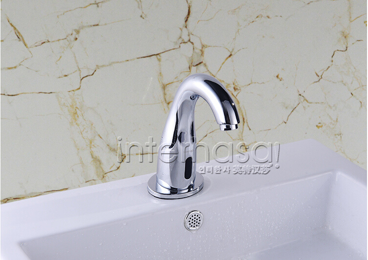 Deck-Mounted Bathroom No Handle Toilet Automatic Tap Sensor Intelligent Brass Faucet