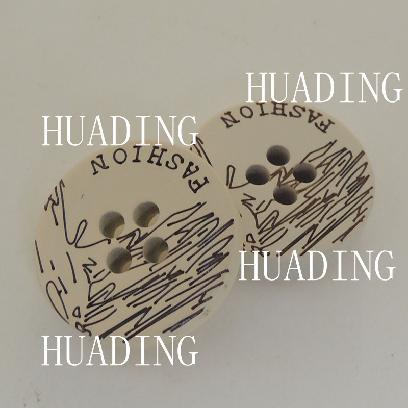 4-Hole Special Beautiful White Wood Sewing Button of Garment (HD1144-15)
