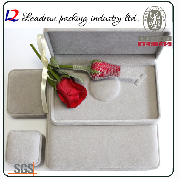 Fashion Velvet Jewelry Storage Box Jewelry Packing Gift Box (Ys31)