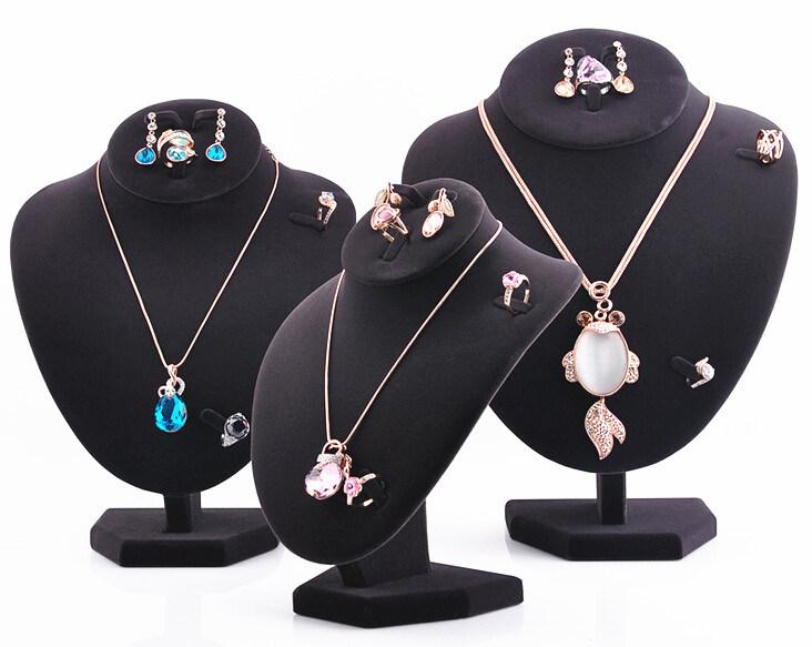 Wholesale Regular Black Velvet Necklace Displays