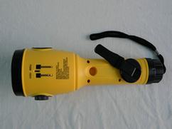 2015 Solar Gifts Solar Radio Solar Flashlight Torch with LED Light for Emergency Use (HT-3068)