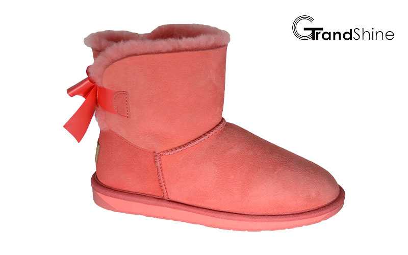 Sheepskin Women′s New Arrival Snow Mini Boots with Bow