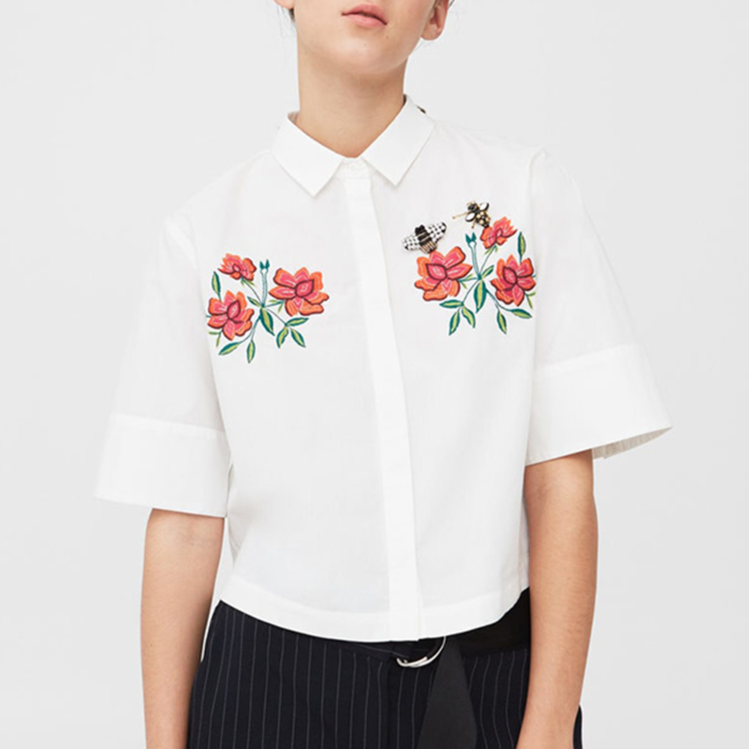 Ladies Fashion Embroidery Cotton T-Shirt Blouse