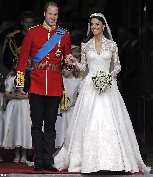 Royal Lace Wedding Dress