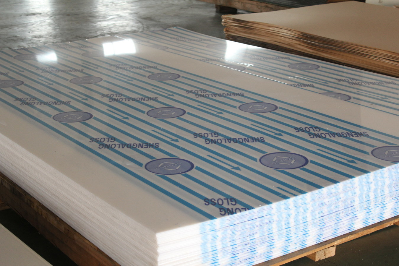 The Standard Size 1220*2440 of Cast Acrylic Sheet