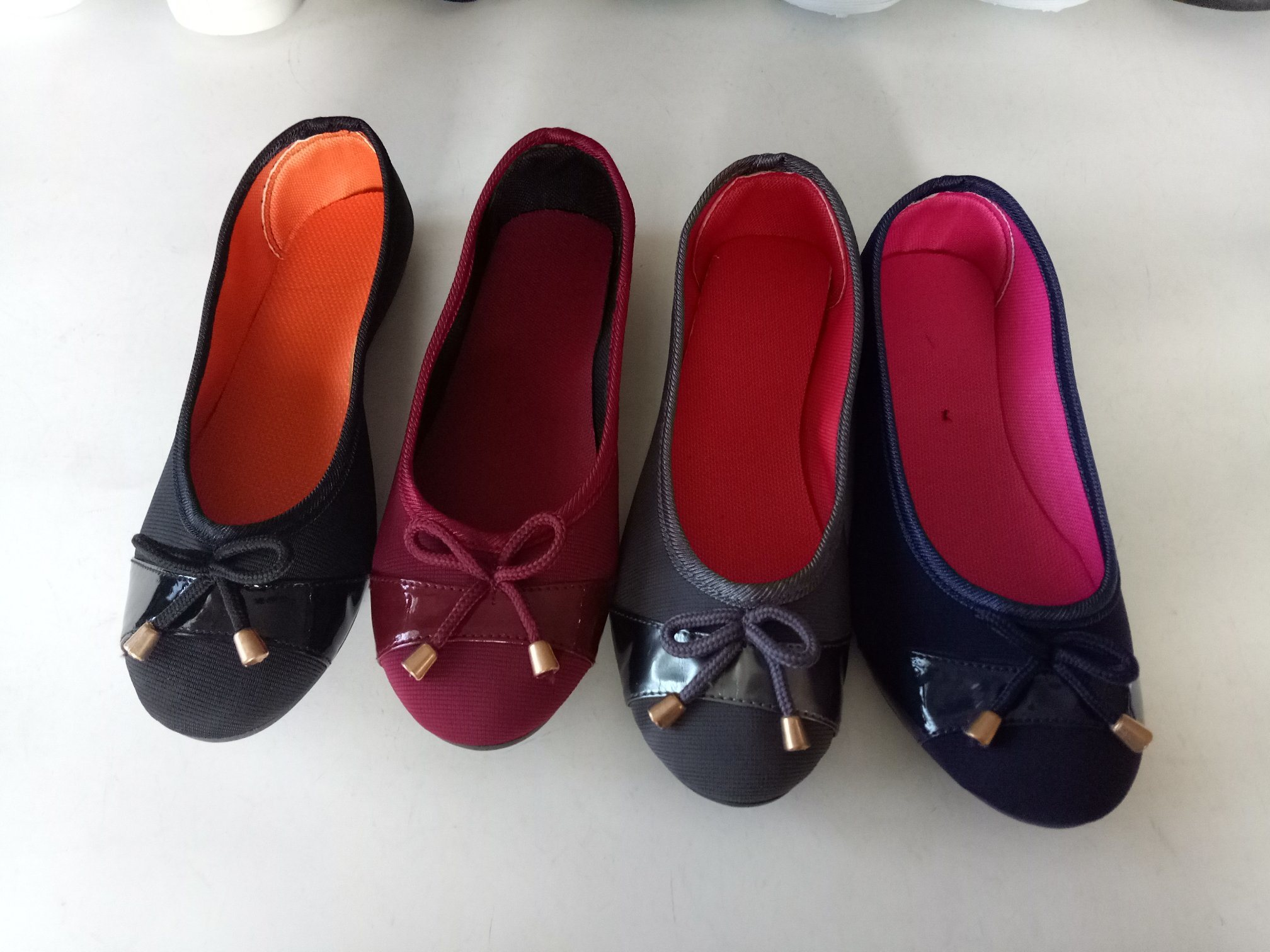 The Latest Design Women Flat Casual Canvas Shoes with Lace Bowknot