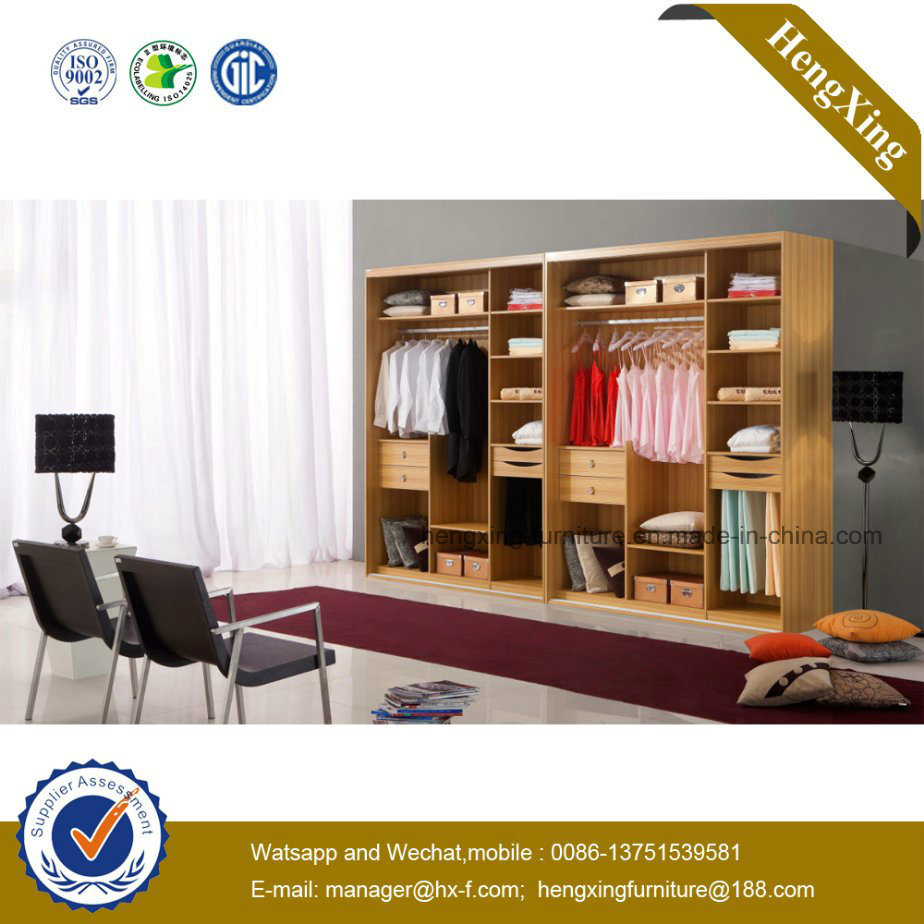 Home Furniture High Glossy Sliding Door Walk-in Closet Wardrobe (HX-LC2019)