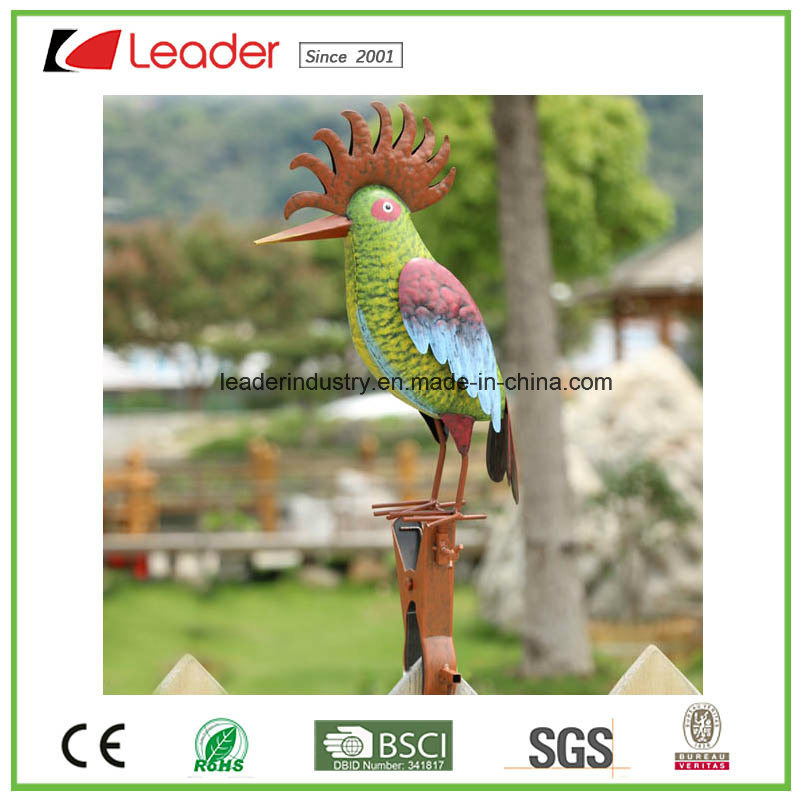 New Colorful Metal Cock Figurine with Multi-Functional Clamp Garden Ornament for Fence and Outdoor Decoration