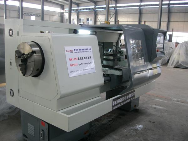 Electric CNC Pipe Threading Lathe Machine Price (QK1327)
