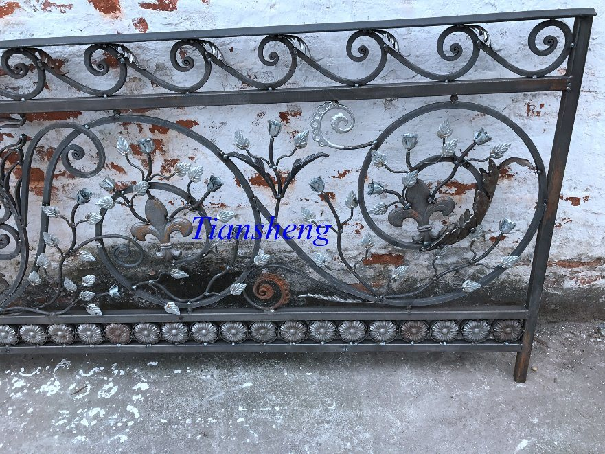 High Quality Customized Wrought Iron Railing
