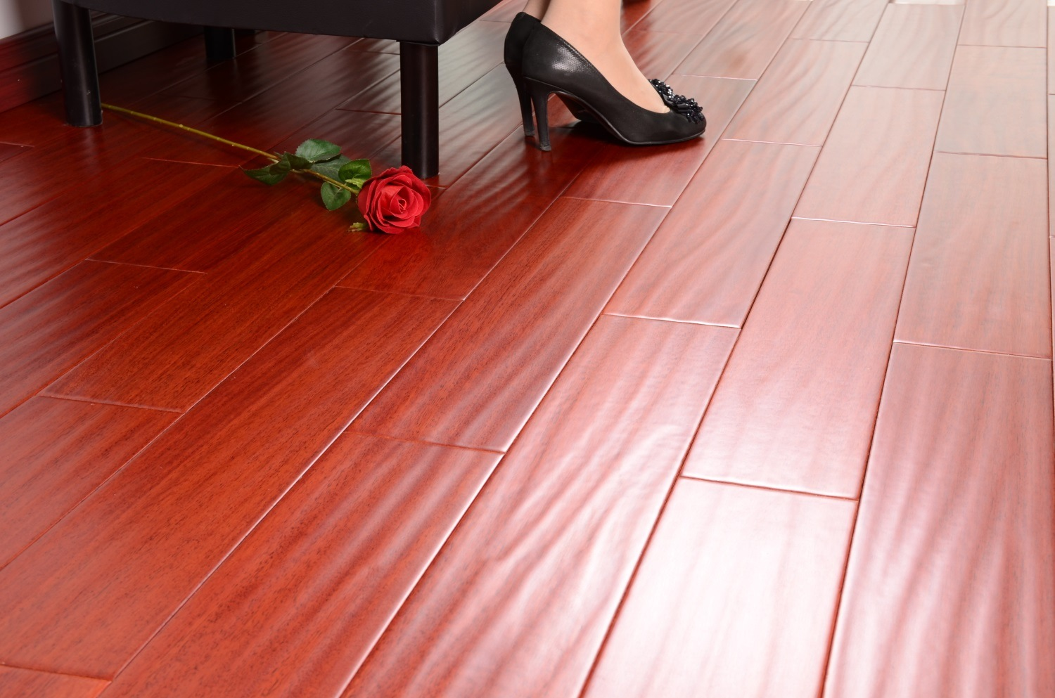 Wearable Pure Solid Wood Flooring