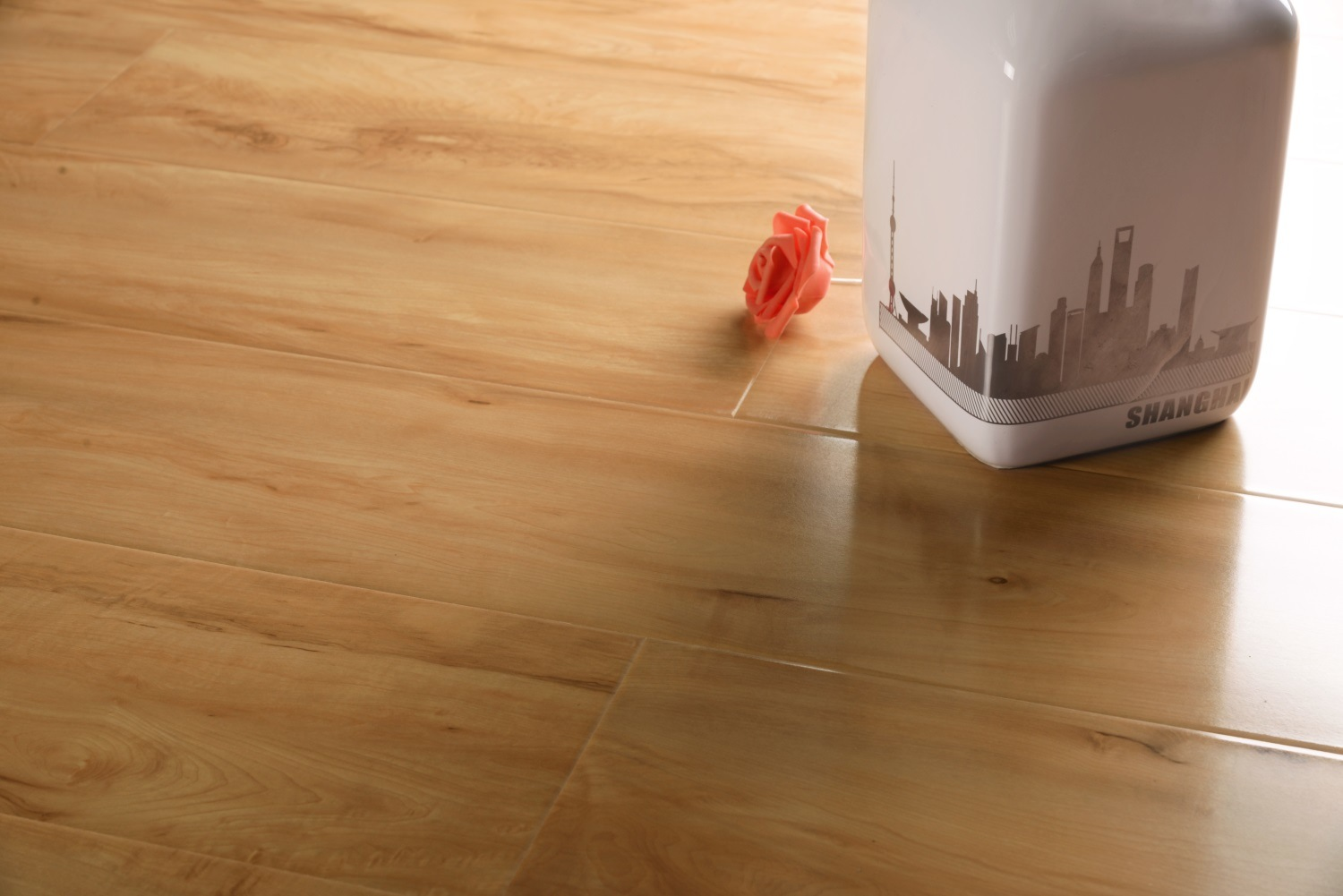 Light Colour High Gloss Laminate Flooring