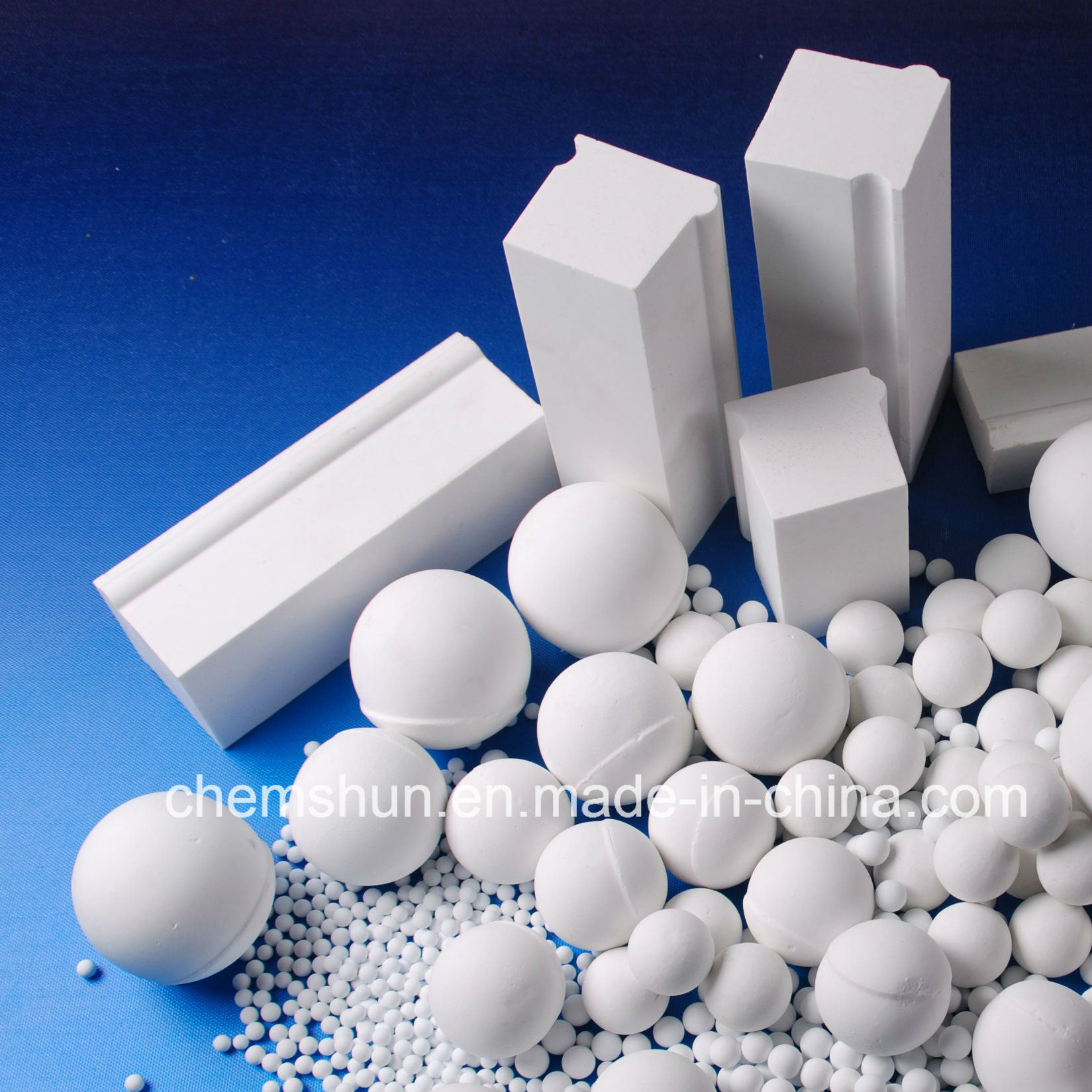 Alumina Ceramic Grinding Media by Alumina Ball / Cylinder