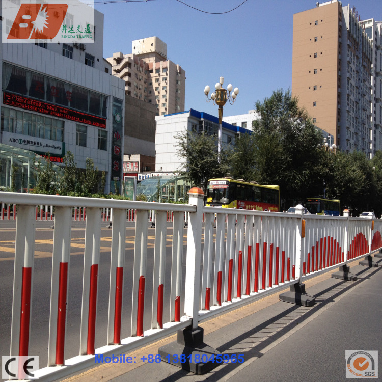 Galvanized Steel Decorative Municipal Engineering Fence Road Isolation Guardrail