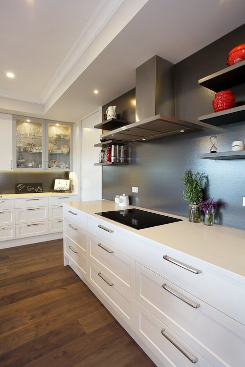 Popular and Simple White Shaker Style Solid Wood Kitchen Cabinet