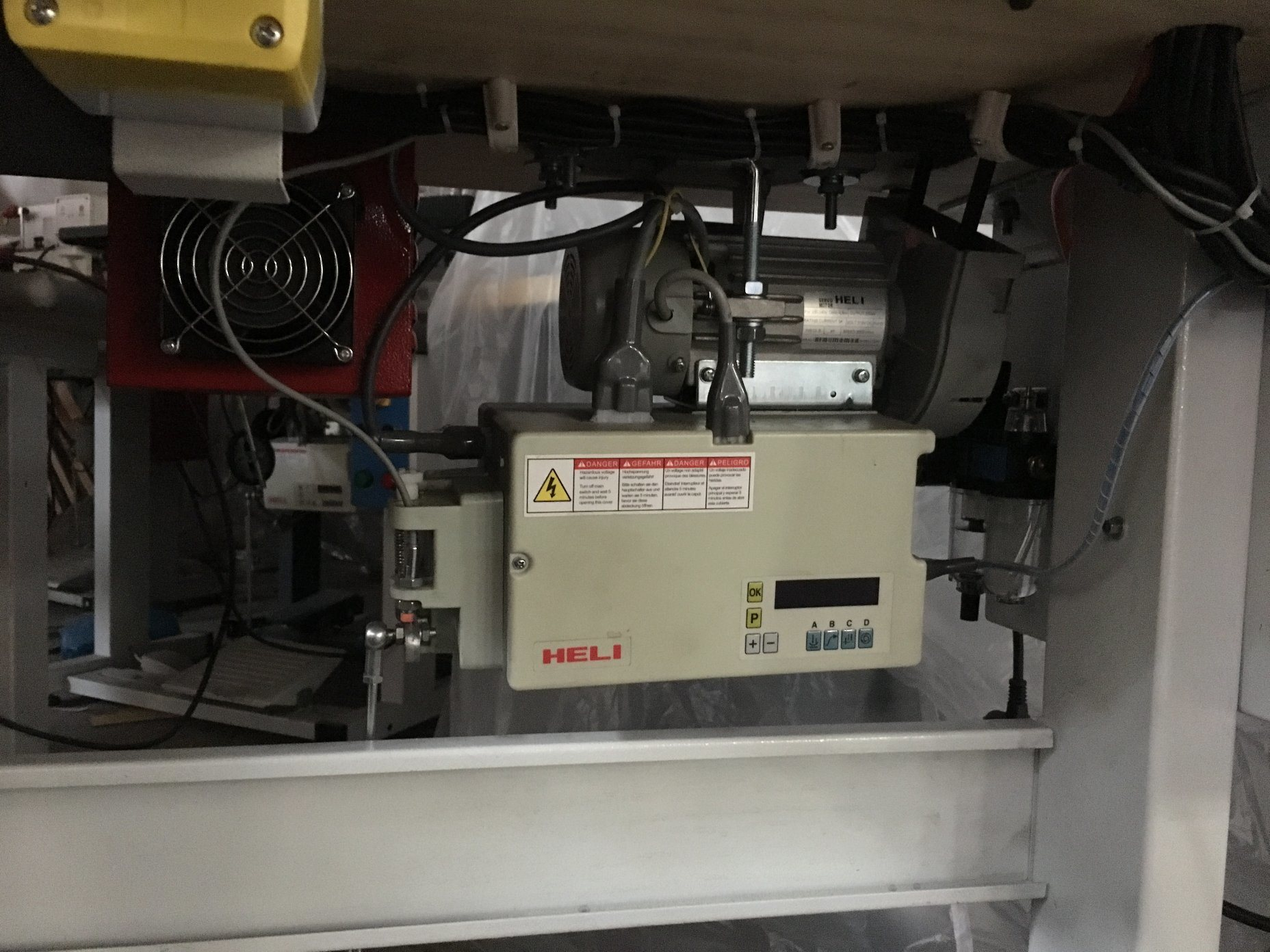 Ds-905A Fully Automatic Heel Layering Taping Machine for Shoe