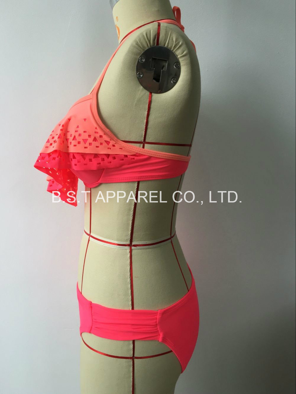 Sexy Laser Cutting Flouce Two-Piece Bikini (QG-6148W)