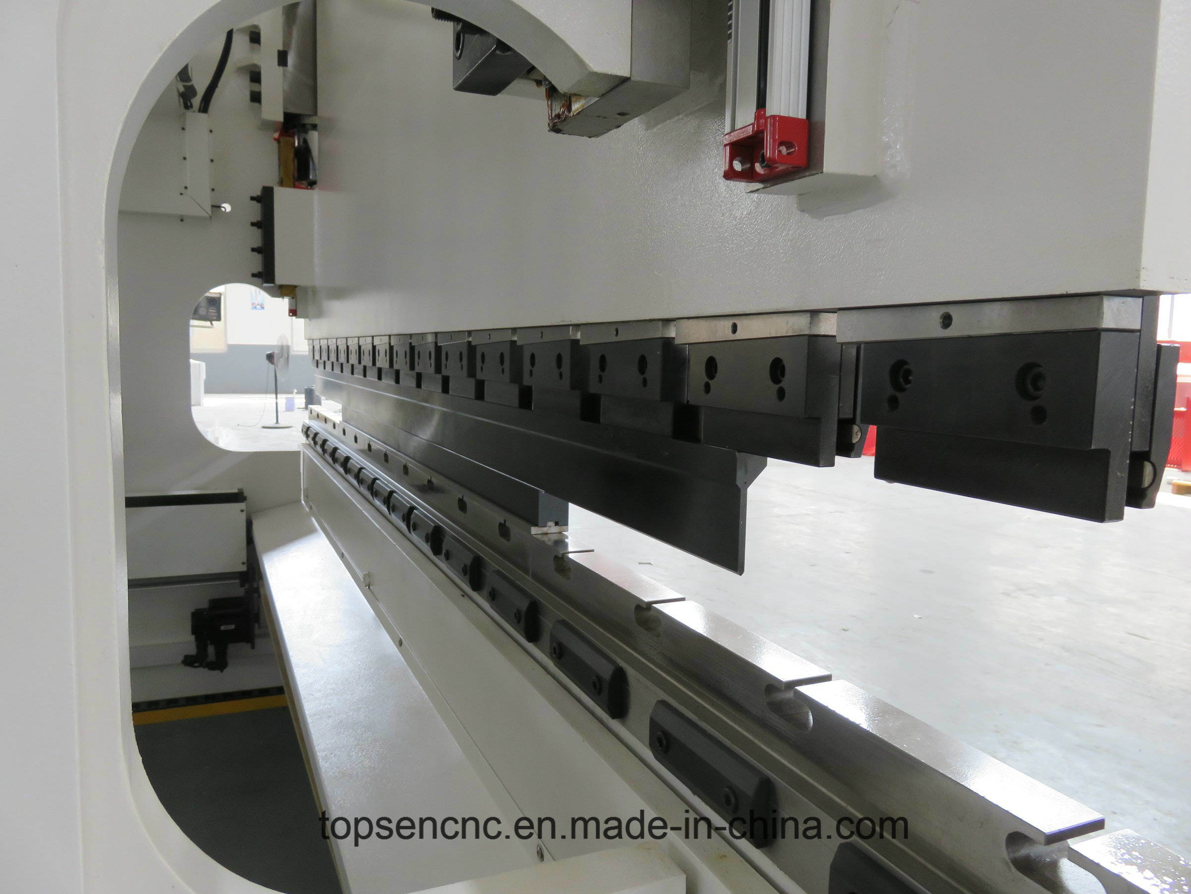 Cybelec CT8 Elecctro-Hydraulic Press Brake with Reasonable Price