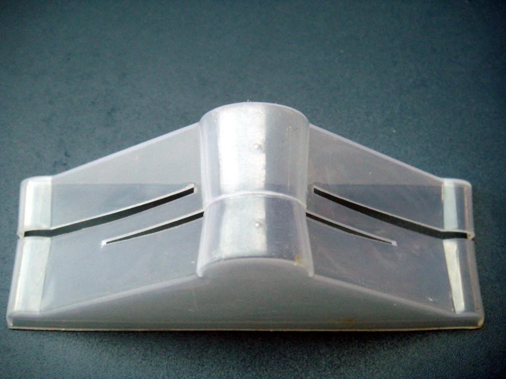 China Extendible Plastic Protection Corner For Furniture China Plastics Protection Corner For