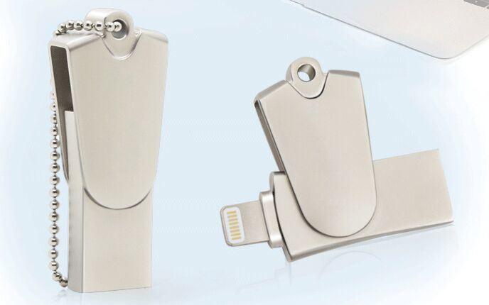 Swivel Mini Iflash Drive HD Card Reader for Ios System Support TF/SD Card (OM-R005)