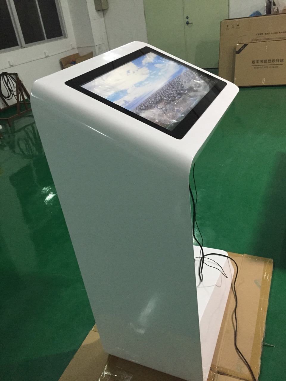 LCD Display Floor Standing 27 Inch Touch Screen Kiosk