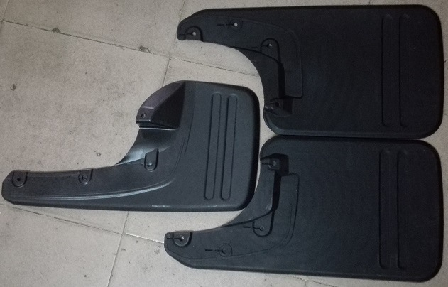 Automotive Rubber Mud Flaps for Toyota Hilux Vigo 2013 - 2015 South Africa and Thailand Model