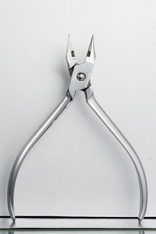 Light Wire Plier with Cutter, Orthodontic Plier (YAYI-002)