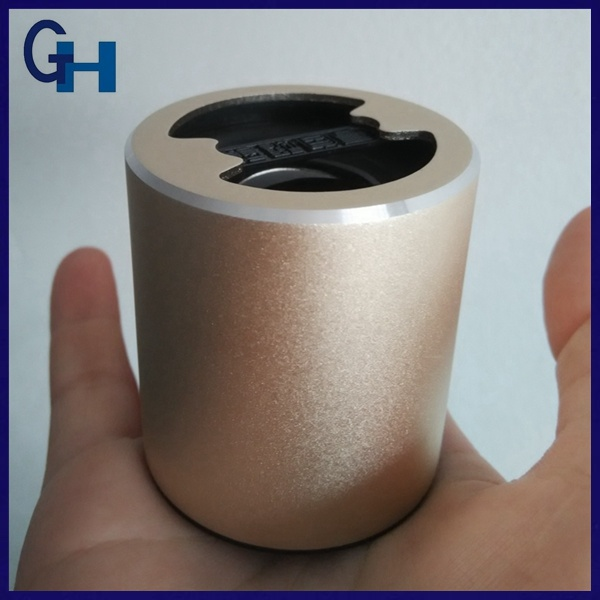 Metal Cover Round Portable Mini Wireless Blue Tooth Speaker