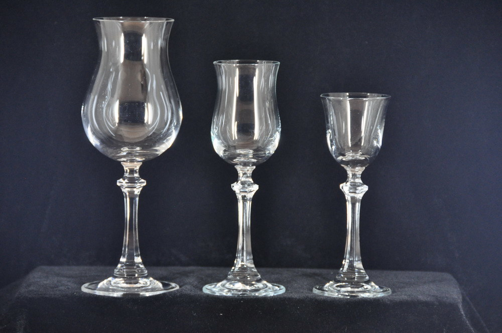 China Antique Crystal Wine Glass China Crystal White