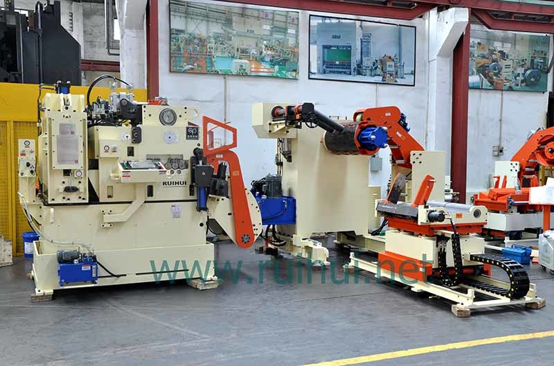 Automation Machine Nc Servo Straightener Feeder and Uncoiler Use in The Major Automotive OEM
