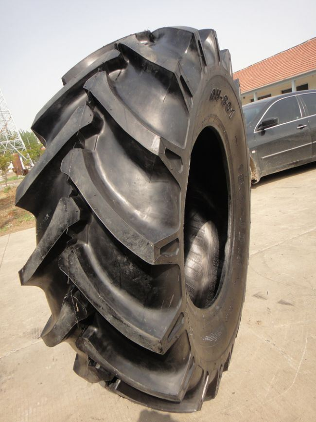 4.50-10, 5.00-10, 5.00-12, 5.00-14 5.50-17 Tractor Tire