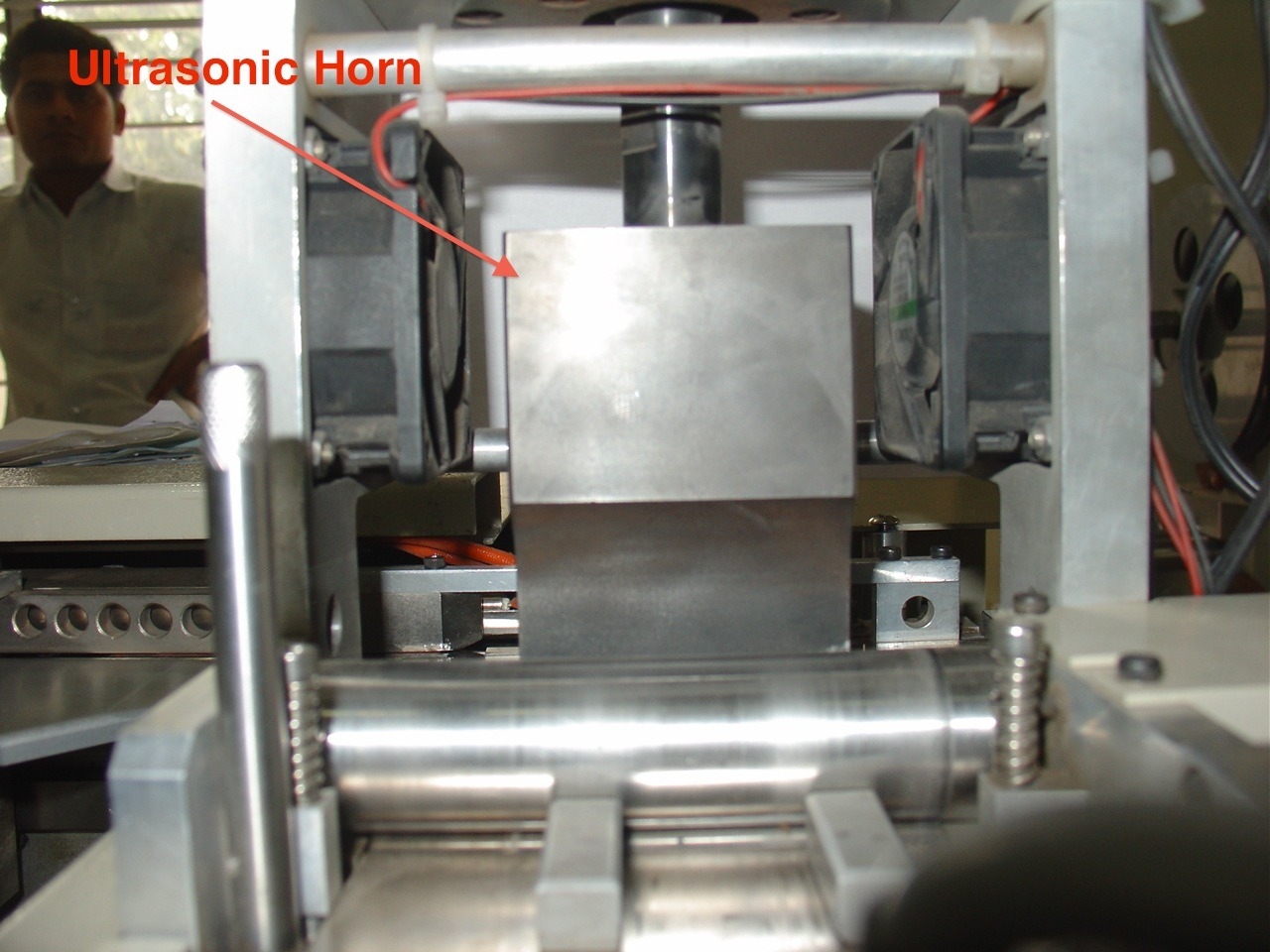 High Speed Ultrasonic Label Cutting and Folding Machinery (ALF-300H)
