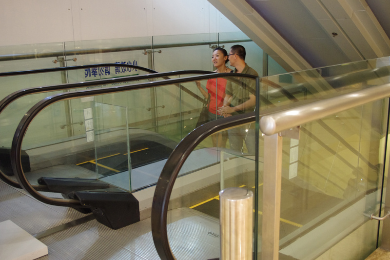Indoor escalator with 30 degree