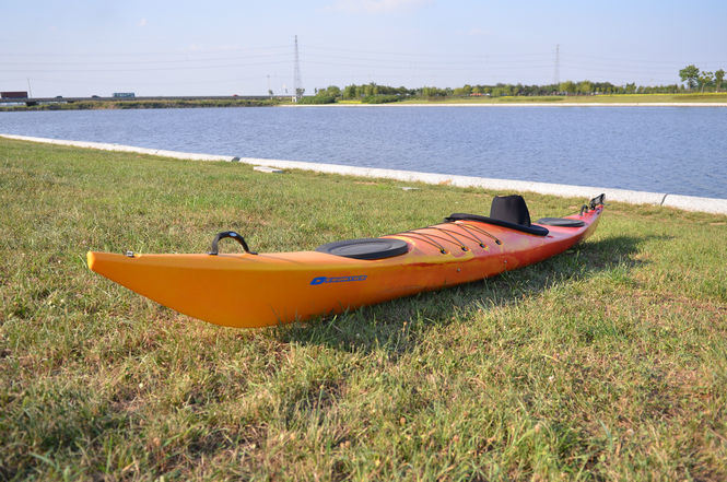 2013 New Single Sit in Sea Kayak, with Rudder, Comfortable Cushion Backrest