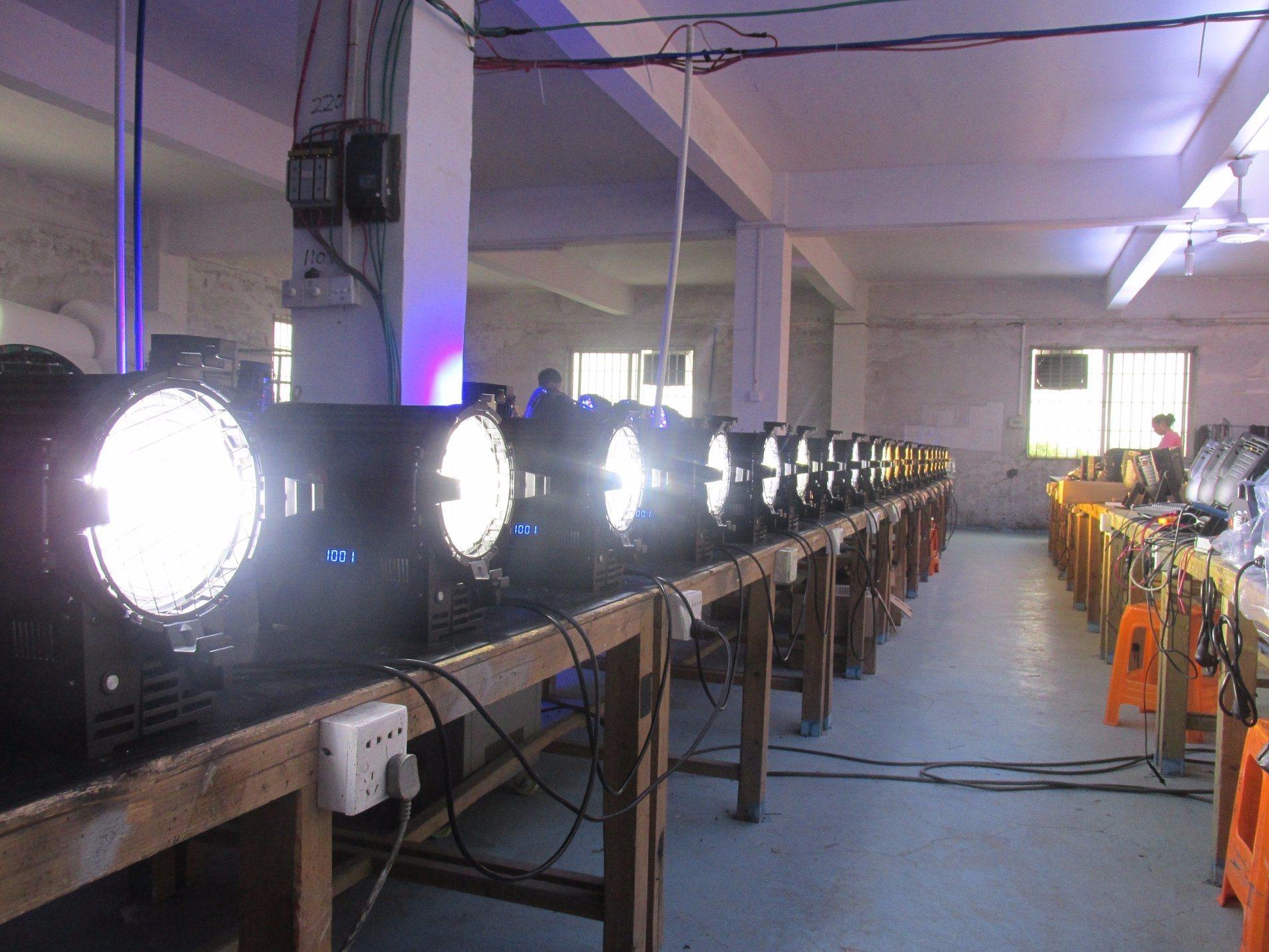 100W/300W COB Cw/Ww/RGB/RGBW/RGBA/RGBWA/Rgbwauv LED Profile Ellipsoidal Spot Light
